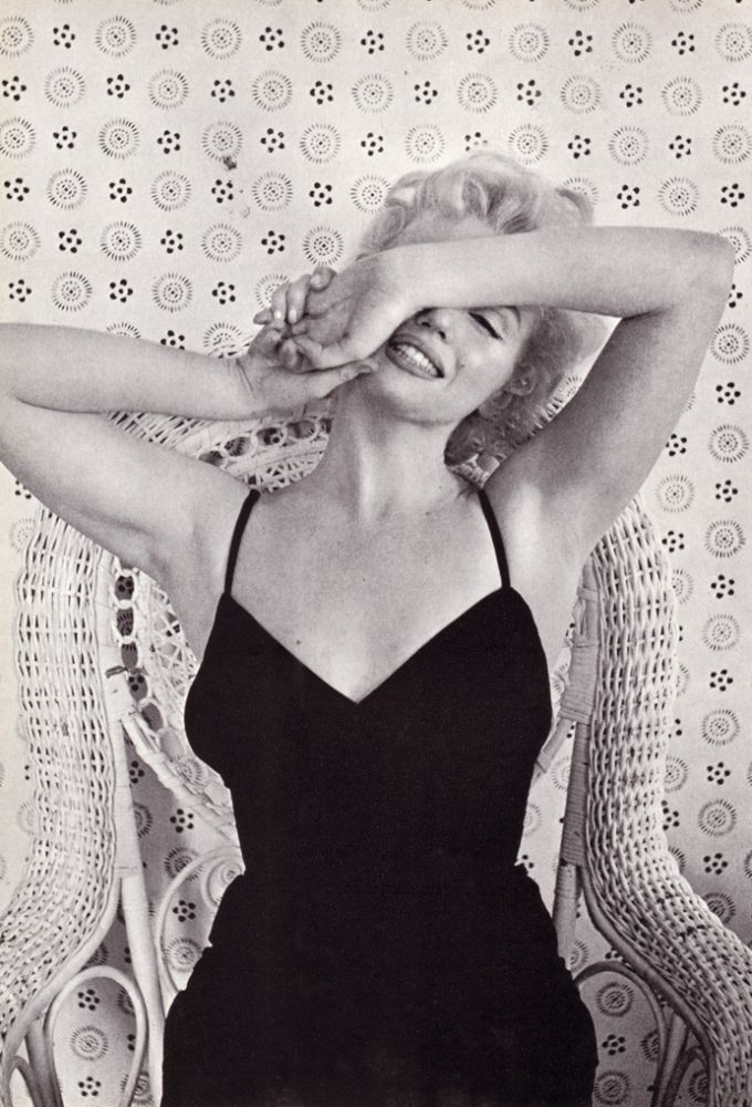 The Face of the World: An International Scrapbook of People and Places. Cecil BEATON.